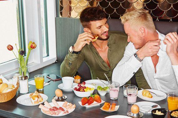 axel hotels complimentary breakfast